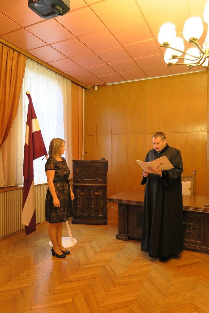 Ģenerālprokurors Juris Stukāns 2021.gada 10.septembrī pieņem jaunas prokurores zvērestu -