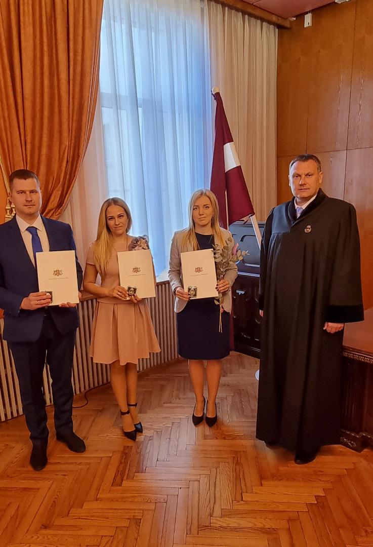 Ģenrālprokurors Juris Stukāns pieņem jauno prokuroru zvērestu 2021.gada 4.jūnijā